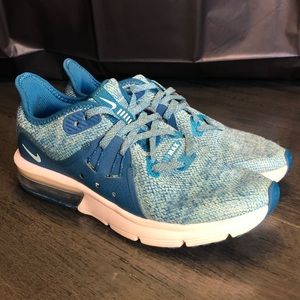 Nike Air Max Sequent 3 Running Shoes Girls SZ. 4Y